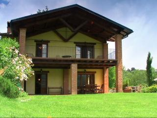 Country villa (9 sleeps) with 12x6 mt pool