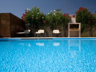 LE TORRI VILLAS, two romantic decorated villas  very close to Nidri town center.