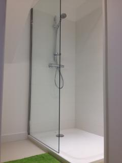 Shower room - Walk-in shower