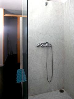 Casa de Banho do Qaurto / Bathroom