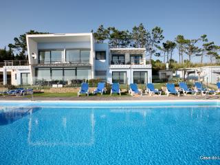 Casa  do Lago, family friendly, heated pool, Obidos