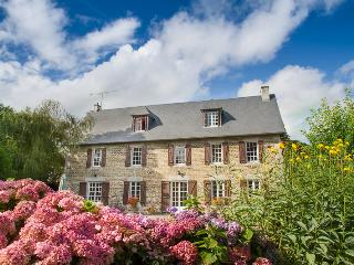 La Germainiere farmhouse, private pool & gardens