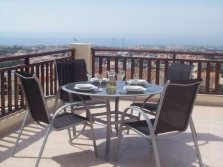 Luxury Apartment With Stunning Panoramic Views, Peyia