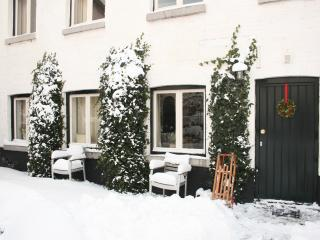 De-Cour Rosalie Maastricht/Gronsveld comfortable in historical setting sleeps 8