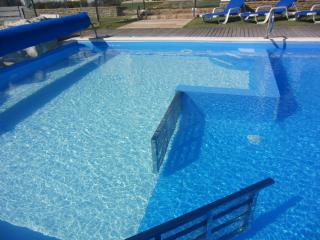 Large Family Villa_kids friendly_free pool heating