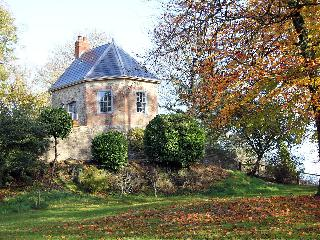 The Folly at Castlebridge, Mere