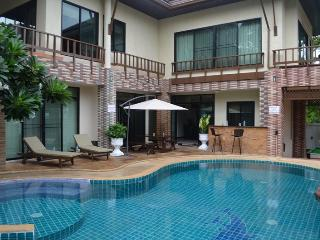 Luxury 4 bed pool villa on Pratumnak Hill, Pattaya