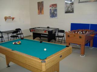 Games Room with Pool Table, Foosball (Table Fotball), Air Hockey, Darts and more