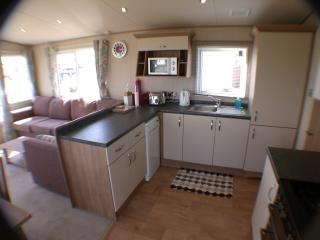 De-Luxe 2 Bedroom 2 Bathroom Holiday Caravan Moray