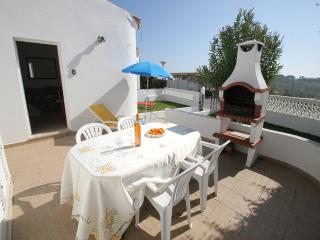 Bungalow 2 bedrooms with private garden, air con, shared pool and free Wi-Fi