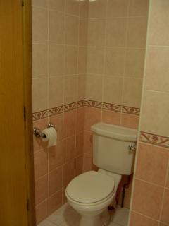 bedroom 1 en-suite toilet area