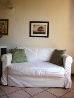 zona giorno - zona relax - divano letto