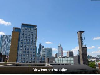 Modern top floor 1 bed City Apartment