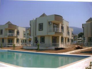 Clew Bay Villa, Akbuk