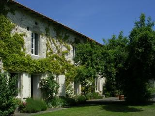 Fine old farmhouse Lusignac, Verteillac