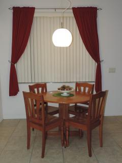 Kitchen nook/ breakfast table.
