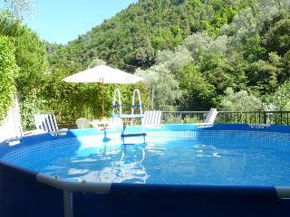 Holiday Villa Near Ventimiglia with mountain views, Vintimille