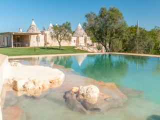 Trulli Tra Pietre: Luxury Trulli w Private Pool