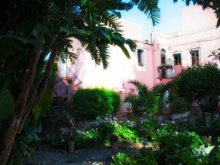 La Tenuta del Gentiluomo, Giardini Naxos