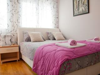 Romantic apartment in Belgrade with parking!