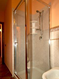 shower bath room 1