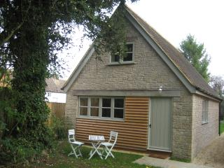 A lovely detached cottage in the Appleton village, Oxford