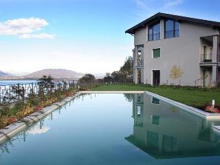 Italian Lakes modern 2 bedroom apartment with pool near Stresa (BFY13543)
