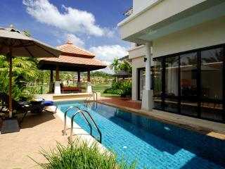 Luxury 3 Bed Pool Villa Laguna