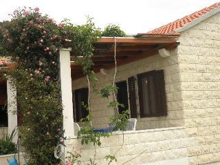 Bol Holiday cottage 2+1