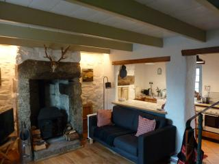 Cherry Tree Romantic Traditional Cottage, Ludgvan