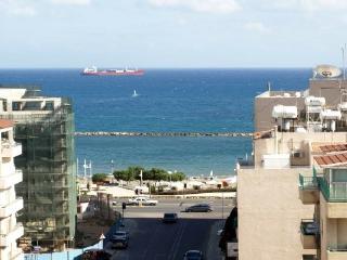 3-bdr. penthouse SeaView, Limassol