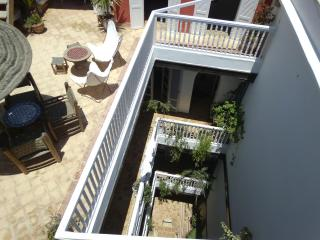 Beautiful spacious, sunny riad with 6 ensuite bedrooms in the medina