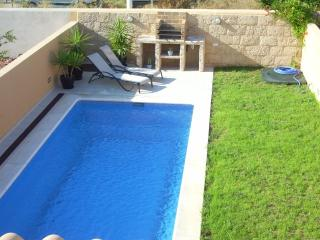 POOL HOUSE / GARDEN PRIVATE-FAMILIES (IBIZA), Ibiza