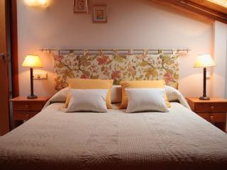 detalle de cabecero de dormitorio principal