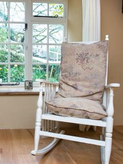 Sit in the rocking chair and watch the birds feeding - you'll see many varieties at Wagmuggle