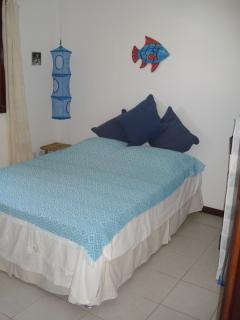 habitación doble planta baja con baño y vista piscina y mar