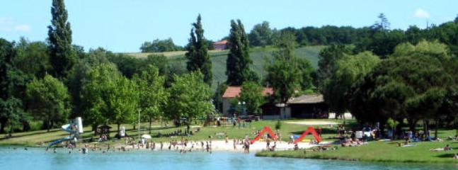 Lougratte Lake 1km,with beach,water slide,boats and safe swimming areas, local village shop.