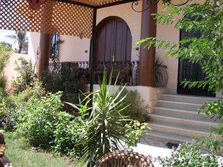 Villa Bahri garden apartment, Luxor