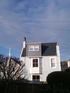 The house is only 50 metres from the charming seafront.