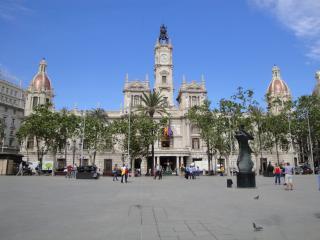 Chalet con piscina a 20 min del centro de Valencia