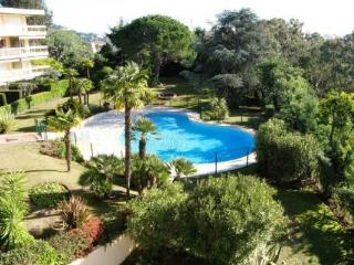 Tassigny Outstanding 2 Bedroom Apartment with a Pool, Cannes