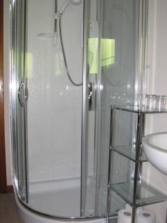 En suite shower room to the master bedroom