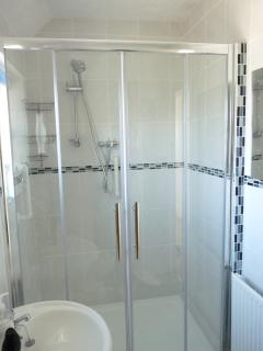 Enclosed shower