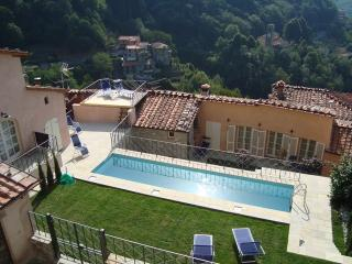 'CASA BINDI'  lPESCAGLIA, near Lucca , shared Pool