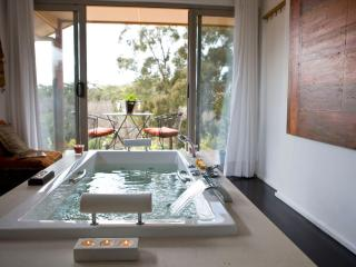Blue Cliffs Dreaming Spa Villa, Hepburn Springs