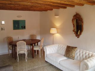 2 bd 2 bath apt at entrance to St Marks Square., Venecia