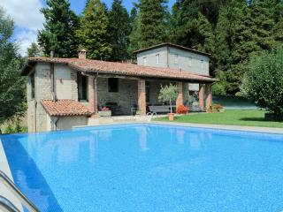 Fosciana, Lux. villa with pool