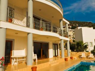 Villa SDF 4 Bedroom Villa (FREE CAR OR TRANSFER), Kalkan