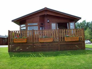 27 Lakeside - Pet and Smoke Free Accommodation, Carnforth
