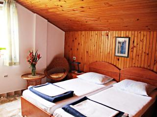 J&J *** bedroom 6 - Zaton Mali, Mali Ston